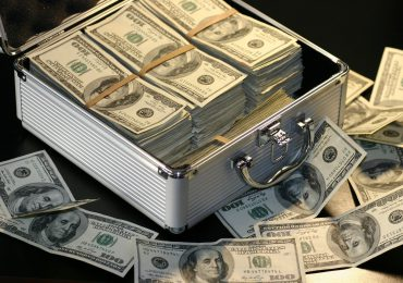 $20 Trillion Hoard of Cash by Recession-Shocked Savers